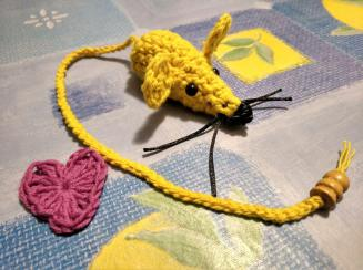 crocheted mouse and heart